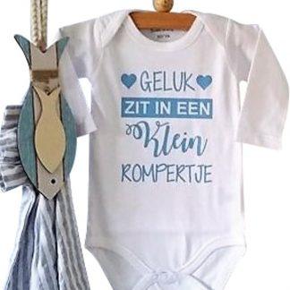 Rompertje jongen met tekst geluk zit in een klein rompertje | Lange mouw | wit met blauw opdruk| maat 74/80