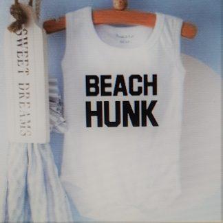 Baby Rompertje cadeautje zwangerschap aankondiging tekst jongen | beach hunk | korte mouw mouwloos | wit zwart | maat 62/68 | geboorte kraamcadeau cadeau