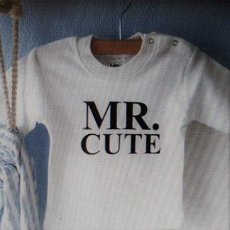 Baby Rompertje cadeautje zwangerschap aankondiging tekst jongen zoon | mr cute | korte mouw | wit zwart | maat 62/68 | geboorte kraamcadeau cadeau neefje nichtje kleinkind kleinzoon