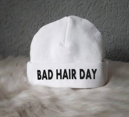 witte babymuts tekst bad hair day