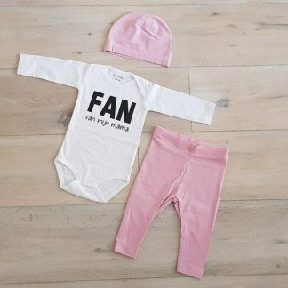 Baby Meisjes Setje 3-delig cadeau geboorte newborn   maat 50-56  roze mutsje roze broekje en wit romper lange mouw tekst zwart fan van mijn mama