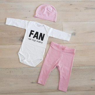 Baby Meisjes Setje 3-delig cadeau geboorte newborn   maat 74-80   roze mutsje roze broekje en wit romper lange mouw tekst zwart fan van mijn mama