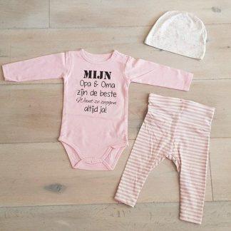 Baby Meisjes Setje 3-delig newborn | maat 74-80| roze mutsje beertje roze broekje streep en roze romper lange mouw met tekst zwart mijn opa en oma zijn de beste want ze zeggen altijd ja