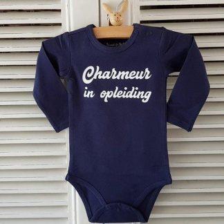 Baby Rompertje blauw jongen met tekst charmeur in opleiding | blauw wit | lange mouw | 50-56 bekendmaking zwangerschap aanstaande baby jongen