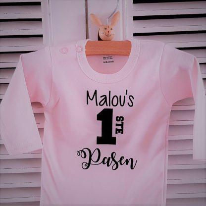 Baby Rompertje tekst roze meisje   Mijn eerste pasen   lange mouw   roze zwart met naam   maat 50-56