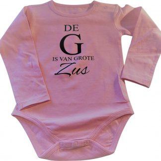 Baby rompertje licht rose De G is van grote Zus meisje - Zwangerschapsaankondiging | Lange mouw | roze | maat 98-104 zwangerschap aankondiging