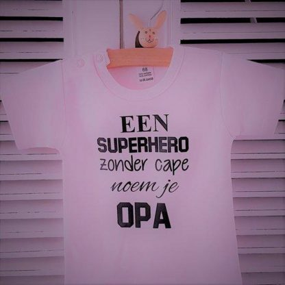 Rompertje baby met tekst meisje | korte mouw | roze zwart | een super hero zonder cape noem je opa| maat 50/56 | bekendmaking zwangerschap aanstaande