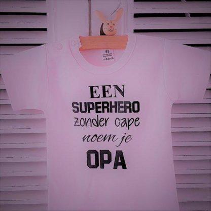 Rompertje baby met tekst meisje   korte mouw   roze zwart   een super hero zonder cape noem je opa  maat 62-68   bekendmaking zwangerschap aanstaande