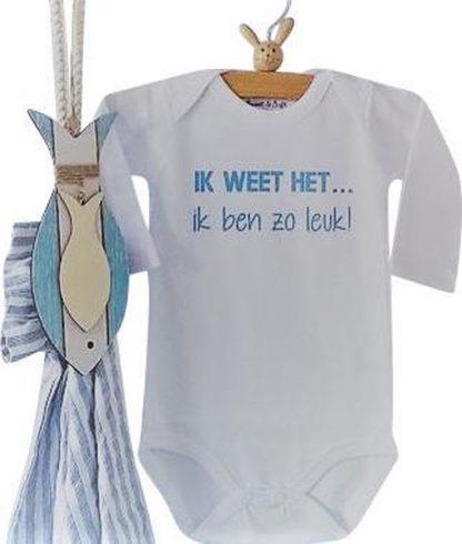 Baby Rompertje jongen Ik weet het, ik ben zo leuk! | Lange mouw | wit blauwe print| maat 62/68