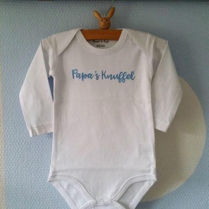 Baby Rompertje jongen met tekst Papa's Knuffel   Lange mouw  wit met blauw   maat 50/56 bekendmaking zwangerschap aanstaande baby jongen
