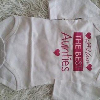 Baby Rompertje meisje met tekst tantes | I have the best aunties | Lange mouw | wit met roze | maat 74/80