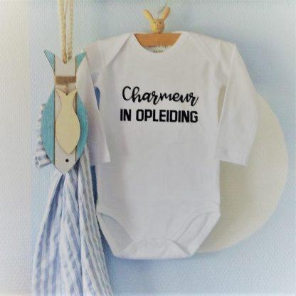 Baby Rompertje met tekst jongen Charmeur in Opleiding | Lange mouw | wit zwart | maat 50/56 cadeau