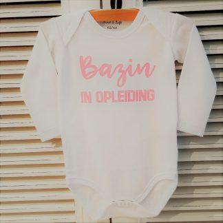 Baby Rompertje met tekst meisje Bazin in Opleiding | Lange mouw | wit roze print | maat 50/56