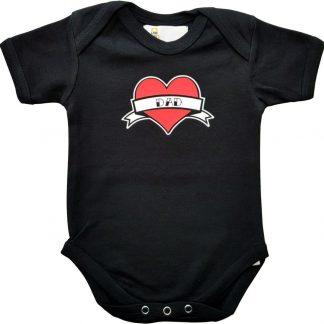 """Zwarte romper met """"Dad"""" - maat 74/80 - vaderdag, cadeautje, kraamcadeau, grappig, geschenk, baby, tekst, bodieke"""